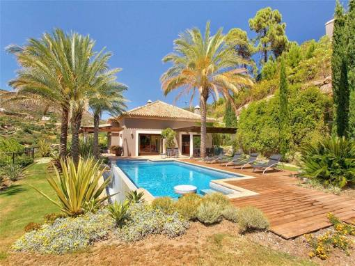 Villa with Sea view for Sale – 3,500,000 euros