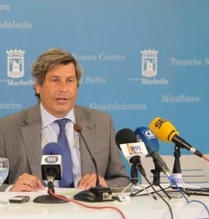 El concejal de Urbanismo de Marbella, Pablo Moro, en rueda de prensa