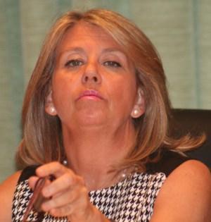 La alcaldesa de Marbella, Ángeles Muñoz, presidiendo un pleno. Foto/marbellaconfidencial.es