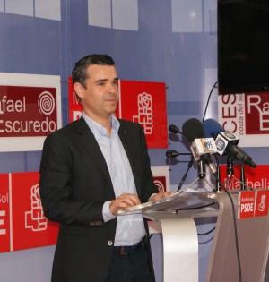El portavoz del PSOE de Marbella José Bernal, en una comparecencia reciente ante la prensa