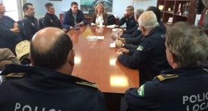 Imagen de archivo de una reunión de la exalcaldesa Ángeles Muñoz y el exdelegado de Seguridad, Félix Romero, con la cúpula de la Policía Local. Foto/ marbellaconfidencial.es