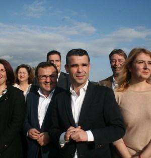El secretario general del PSOE de Málaga, Miguel Heredia (tercero por la izqda) en la presentación de la lista del PSOE en Marbella que lidera José Bernal este viernes
