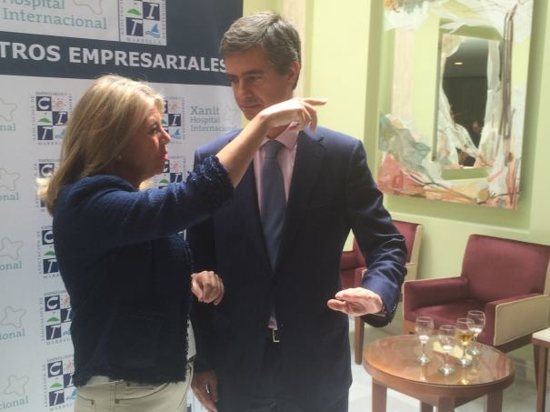 El presidente del CIT, Juan José González, el pasado 22 de abril junto a la candidata del PP y alcaldesa de Marbella, Ángeles Muñoz. Foto/ marbellaconfidencial.es