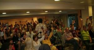Imagen de la asamblea de la plataforma de Podemos celebrada este miércoles en Marbella. Foto /marbellaconfidencial.es