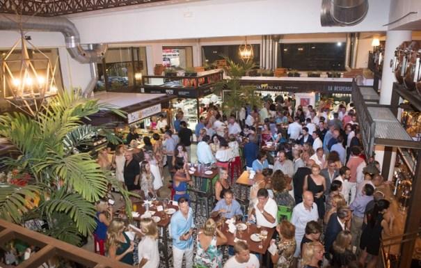 Vista general del mercado Gourmet Ambrosía durante su inauguración de este jueves.