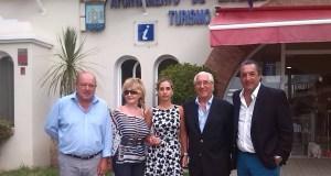 El responsable municipal de Turismo, Miguel Luna, este lunes junto a representantes de la delegación de Punta del Este (Uruguay)