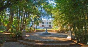 Imagen de la fachada de la Escuela de Hostelería de La Cónsula. Foto/ Europa Press