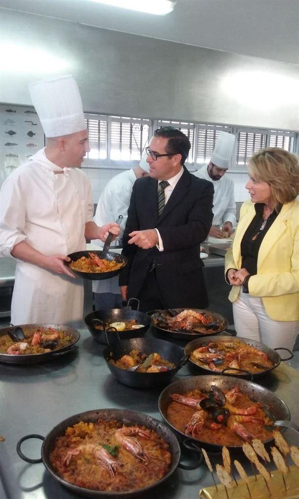 El subdelegado del Gobierno en Málaga, Miguel Briones, este mediodía en la Escuela Bellamar de Marbella. Foto/ Europa Press