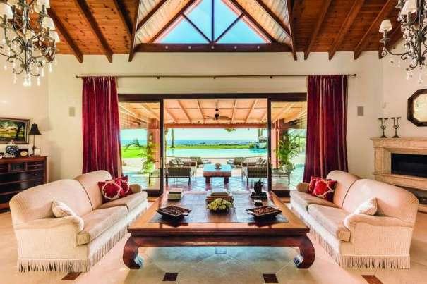 Imagen de uno de los salones de la mansión de Ángeles Muñoz publicada en la web de la inmobiliaria Panorama