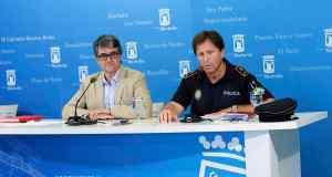 El entonces concejal delegado de Seguridad e Industria, Javier Porcuna, junto al exjefe de la Policía Local José Andrés Montoya en 2016 FOTO/ M.C.