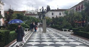 Nueva imagen del suelo de la Plaza de los Naranjos de Marbella. FOTO/ MARBELLA CONFIDENCIAL
