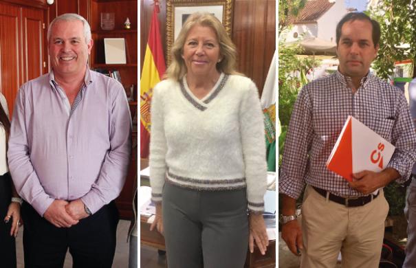 La alcaldesa de Marbella, Ángeles Muñoz (centro) flanqueada por los líderes de los dos partidos con los que podría gobernar como socios en 2019. El primero por la izqda es Rafael Piña (OSP) y el primero por la derecha es Francisco Gómez, de Ciudadanos. FOTOS/ MARBELLA CONFIDENCIAL