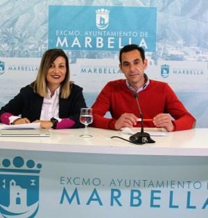 Los concejales de IU, Miguel Díaz y Victoria Morales en rueda de prensa. FOTO/ IU