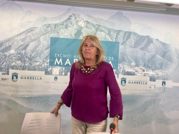 La alcaldesa de Marbella, Ángeles Muñoz, este viernes en rueda de prensa. FOTO/ CABANILLAS