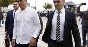 David Serrano junto a su abogado, el letrado marbellí Antonio Flores, CEO de la firma Lawbird, en imagen de archivo. FOTO/ Alex Zea- Europa Press