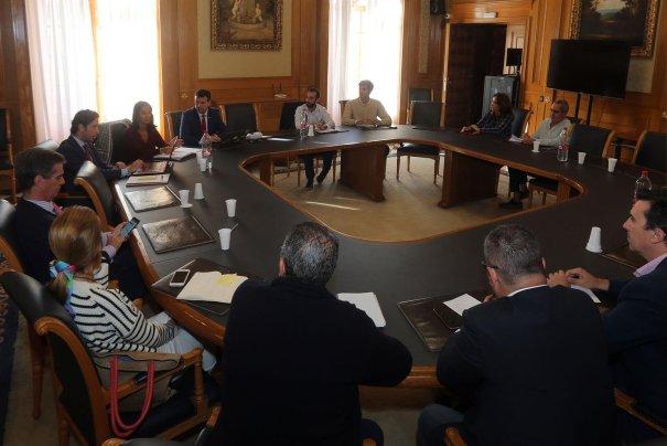 Imagen de la reunión mantenida este martes. FOTO/ Ayto de Marbella