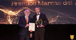 El vicepresidente de la Diputación de Málaga, Juan Carlos Maldonado (drcha) recibe el premio este lunes en Madrid. FOTO/ Diputación