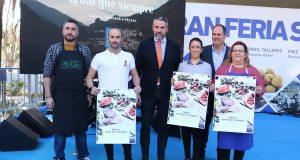 El vicepresidente de la Diputación de Málaga, Juan Carlos Maldonado (centro) junto a productores de carne con el distintivo Sabor a Málaga radicados en la provincia. FOTO/ Diputación
