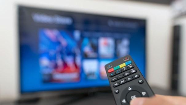 Imagen de un mando a distancia de TDT