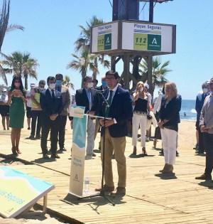 El vicepresidente de la Junta, Juan Marín, durante su intervención en el acto de este lunes en la playa de El Cable en Marbella. FOTO/ CABANILLAS