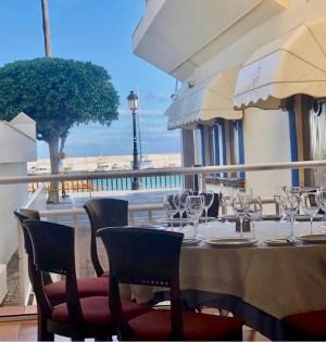 Imagen de uno de los nuevos espacios del restaurante La Barca de Marbella, con vistas al mar. FOTO/ Marbella Confidencia