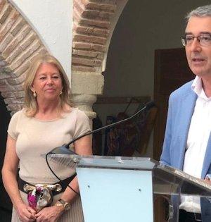 El presidente de la Diputación de Málaga, Francisco Salado, este sábado durante su comparecencia junto a la alcaldesa de Marbella, Ángeles Muñoz. FOTO/ Diputación