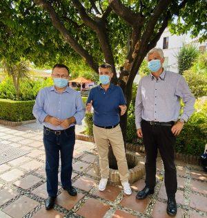 De izquierda a drcha Miguel Ángel Heredia, Pepe Bernal y José Ignacio Macías, durante la comparecencia ante los medios del PSOE en Marbella este miércoles. FOTO/ PSOE