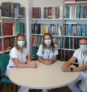 Imagen de los tres profesionales sanitarios del Costa del Sol. FOTO/ Junta