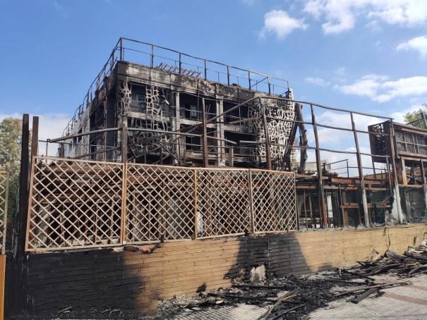Imagen de la parte más afectada por el incendio en el hotel Sisu. FOTO/ JAVIER MARTÍN