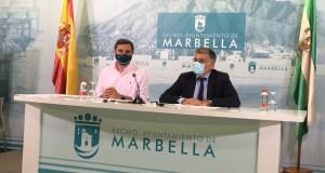 Los tenientes de alcalde del PP de Marbella Félix Romero y Javier García este lunes en rueda de prensa. FOTO/ RTV Marbella