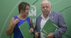 La viceconsejera de Salud, Catalina García, junto al titular de la Consejería, Jesús Aguirre, en imagen de archivo