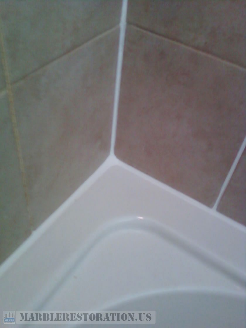 ReCaulked Bath Tub Top Caulking Service