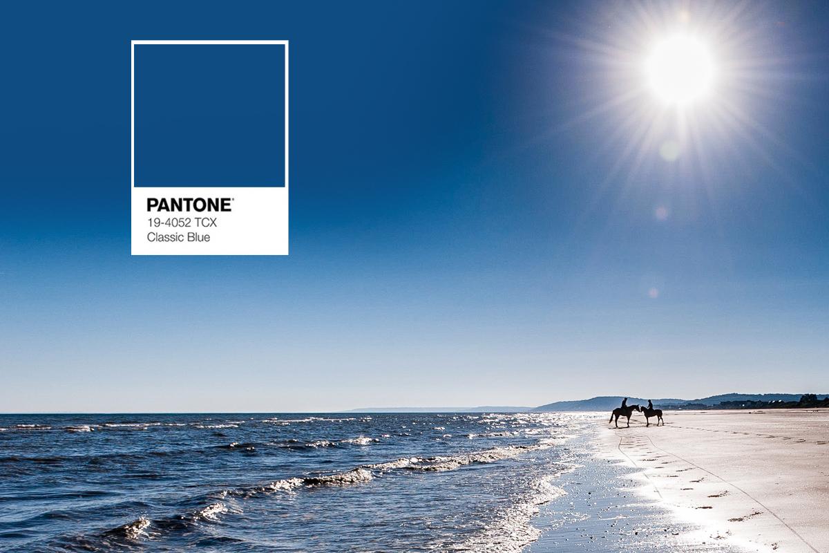 https www marc chazelle fr blog pantone devoile couleur de lannee 2020 bleu synonyme de confiance de meditation de resilience