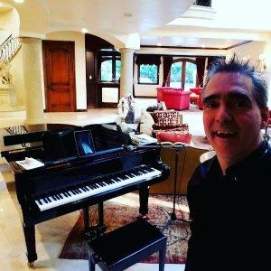 Mr Pianist Glendale