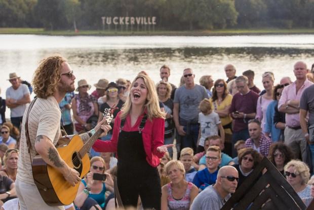 Tuckerville door Marcel Krijgsman