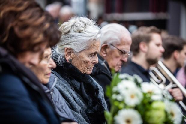 Herdenking 75 jaar bombardement Nijmegen: kranslegging door Marcel Krijgsman