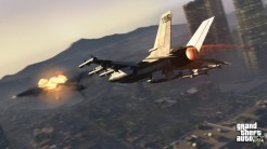 0010-official-screenshot-jet-fires-missiles-over-vinewood