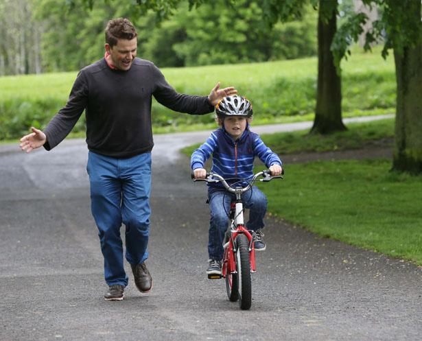 bicicleta que se mantiene en equilibrio