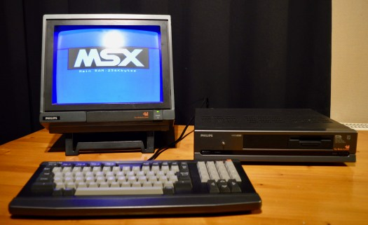 More advanced BASIC and beginning with Pascal: Philips NMS 8250 MSX2