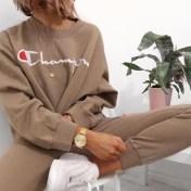 look_champion_streetwear_marche_mode_vintage
