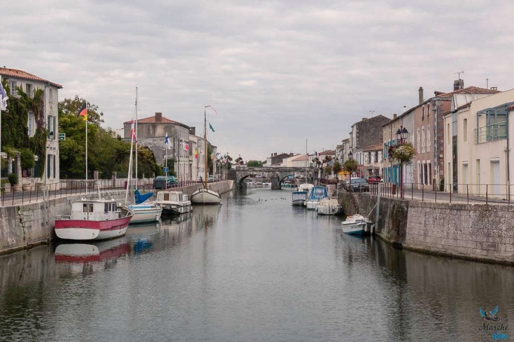 bourg de Marans