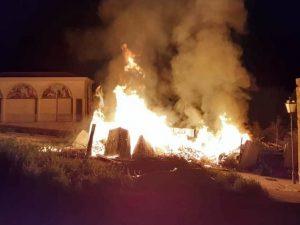 Marchiodoc-Incendio-cimitero-San-Nicandro-Garganico