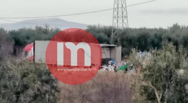 FOTO | Rifiuti nelle campagne: dalla Campania a Cerignola e Stornara