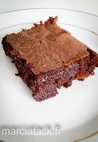 le gateau au chocolat tres fondant et tres chocolate qui va vous faire oublier tous les autres