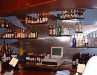 Floating glass shelves for bar | Marc Konys Glass Design