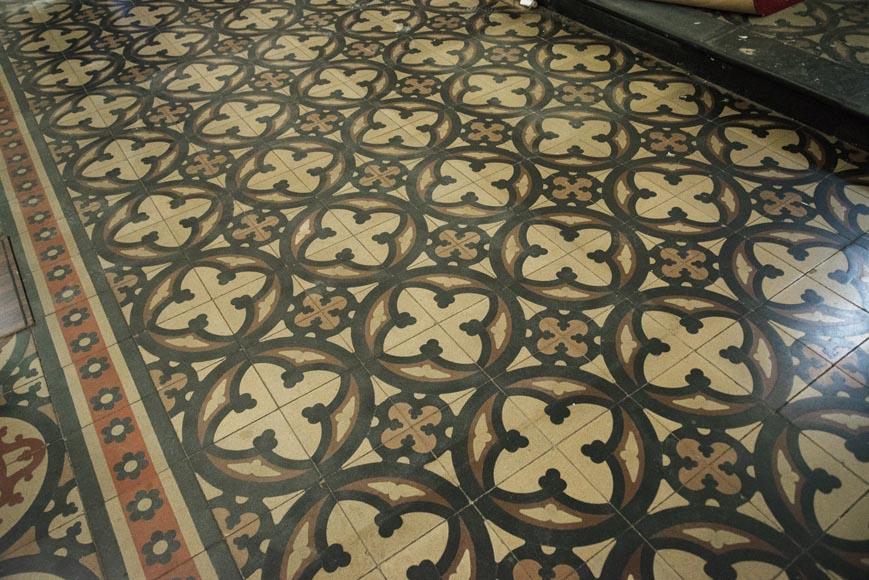 sol ancien en carreaux de ciment