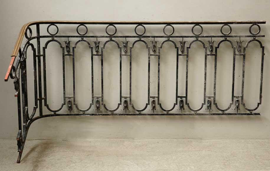 Rampe descalier en fer forg avec main courante en laiton
