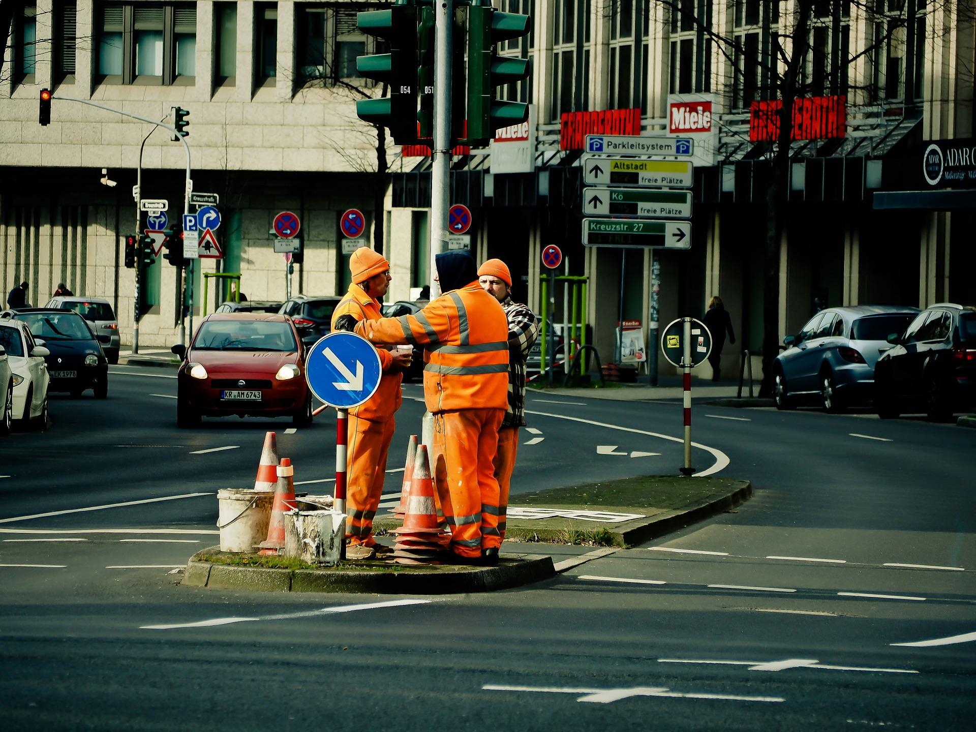 Lavoro a piedi su strada