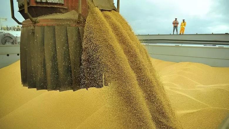Agro tem superavit de US$ 4,92 bi no comércio exterior em janeiro