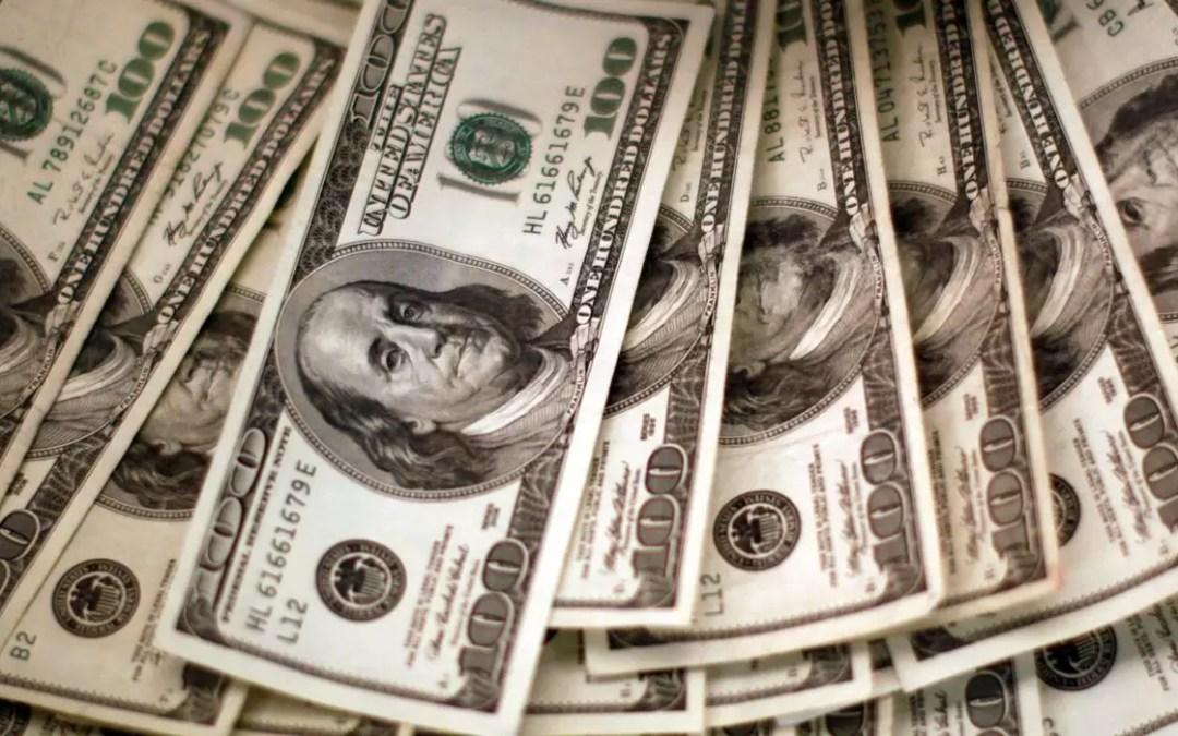 """Contas externas devem ter """"ligeiro superávit"""" de US$ 2 bilhões, diz BC"""